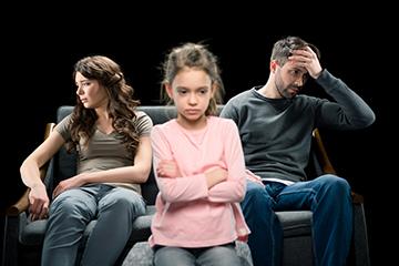 Выпишут ли неродного ребенка при разводе