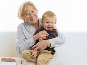 До скольки лет можно усыновить ребенка если мать родная
