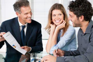 Оставить работника ранее выполнявшего работу за декретникам